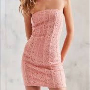 Pink lace bodycon strapless dress